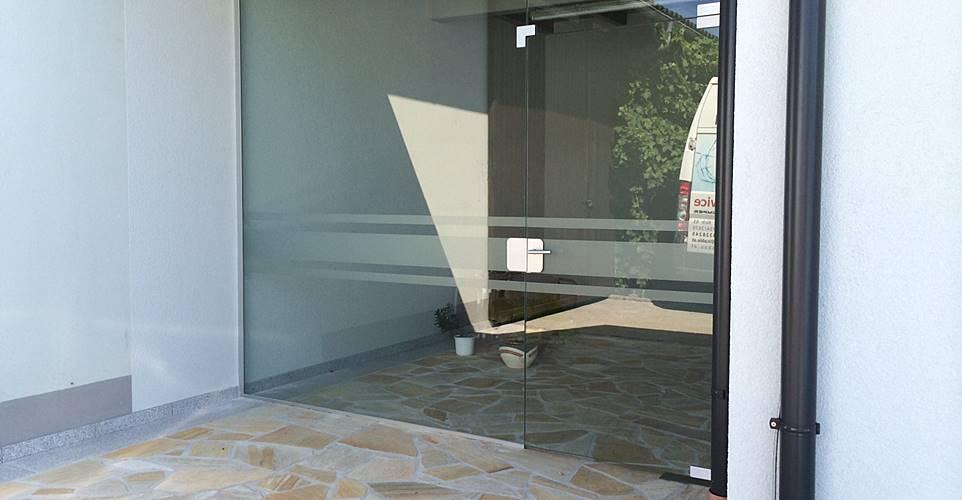 Nurglasanlagen pg glasbau - Glastrennwand wohnbereich ...